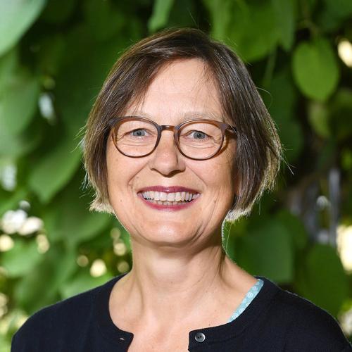 Dr. Cornelia Lange
